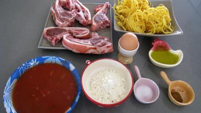 Ingrédients pour la recette : Côtes d'agneau panées