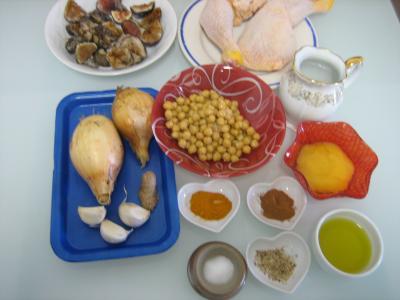 Ingrédients pour la recette : Poulet aux figues et au miel à la marocaine