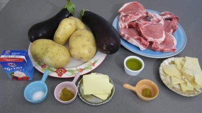 Ingrédients pour la recette : Côtes de porc et sa purée d'aubergines