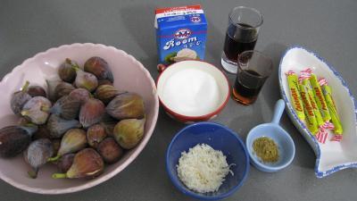 Ingrédients pour la recette : Figues aux carambars