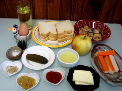 Ingrédients pour la recette : Canapés pomme et surimi