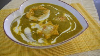 Cuisine diététique : soupière de velouté de bettes