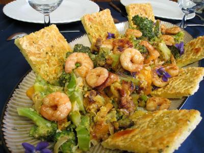 Image : recette Crevettes au lait de coco et sa polenta