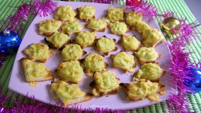Cuisson au grill : Assiette de canapés aux choux de Bruxelles