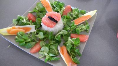 Salade de truite fumée et sa brochette de viandes - 7.2