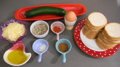 Ingrédients pour la recette : Canapés aux courgettes