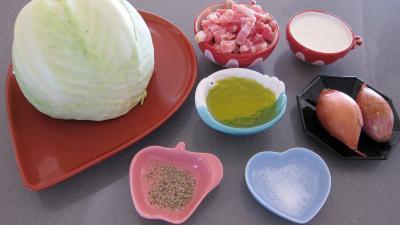 Ingrédients pour la recette : Chou aux lardons