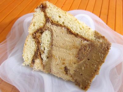 gâteau au chocolat : Une tranche de charlotte au café chocolat au pralin