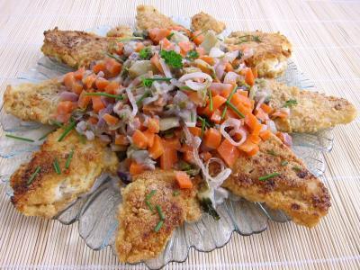 Millet farine : Assiette de cabillaud pané aux cacahuètes et aux légumes