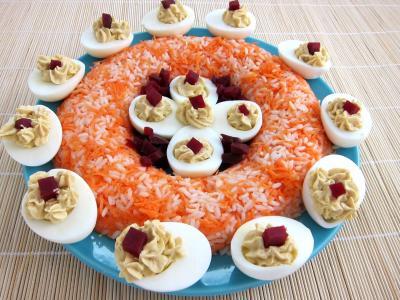 salade de riz : Oeufs au foie gras et sa couronne riz et carottes