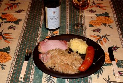 Photo : Un plat de choucroute