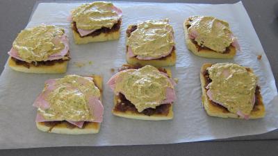 Sandwichs à l'aubergine et au jambon - 10.2