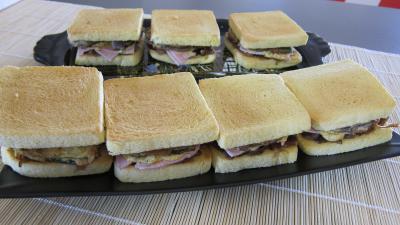 recettes farcies : Plateau de sandwichs à l'aubergine et au jambon