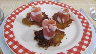 Sauce mayonnaise au fromage blanc : Assiette de röstis de pommes de terre au jambon de Parme