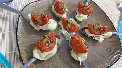 Image : Assiette d'antipastis à la tomate
