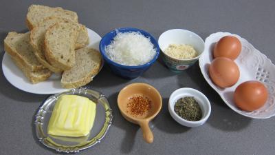Ingrédients pour la recette : Canapés aux oeufs